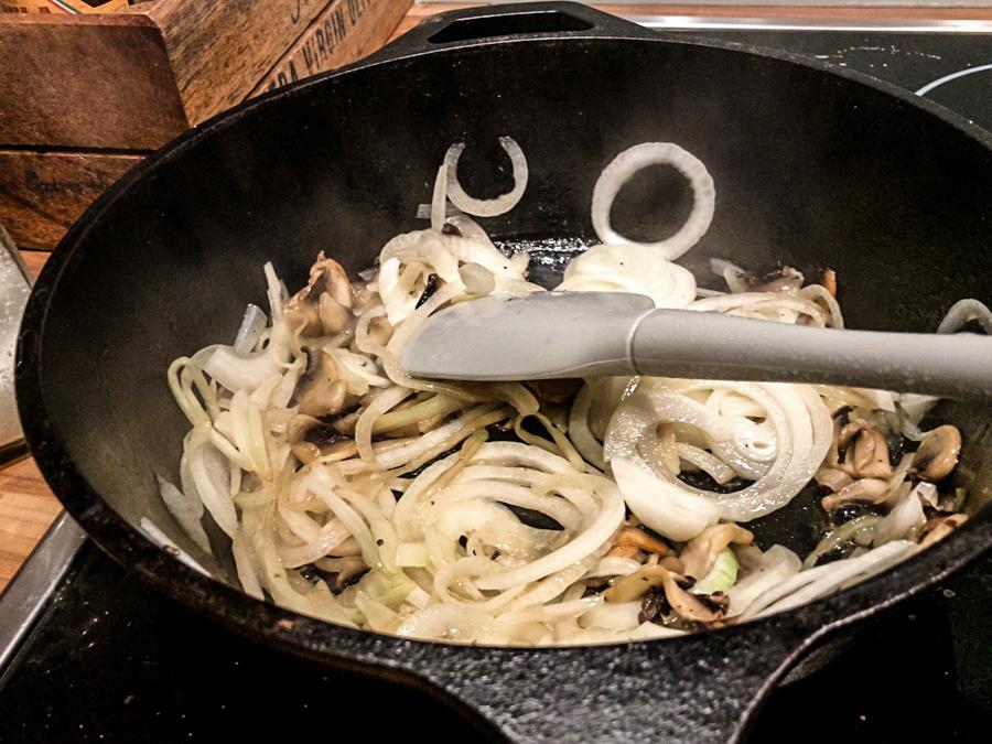 beef-stroganoff-onion.jpg